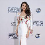 Nina Dobrev en los American Music Awards 2015