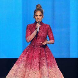 Jennifer Lopez durante la gala de los American Music Awards 2015