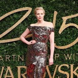 Gwendoline Christie en los British Fashion Awards 2015