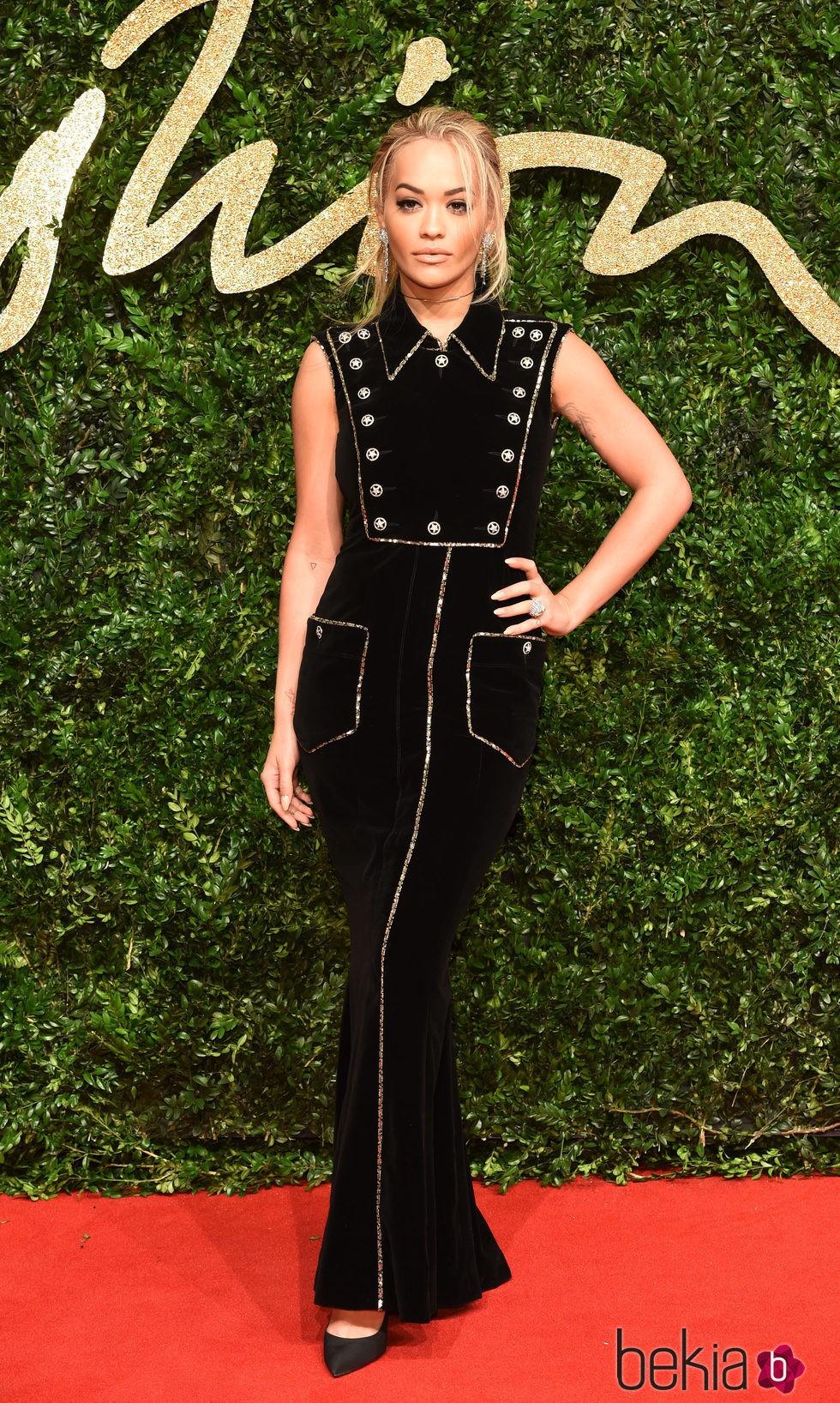 Rita Ora en los British Fashion Awards 2015