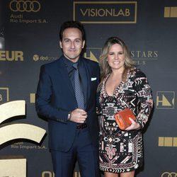Iker Jiménez y Carmen Porter en los premios Ondas 2015