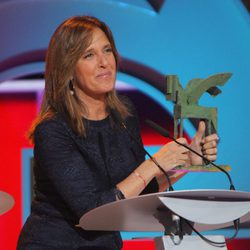 Ana Blanco recogiendo su premio en los Ondas 2015