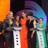 Las protagonistas de 'Vis a Vis' recogiendo su galardón en los premios Ondas 2015