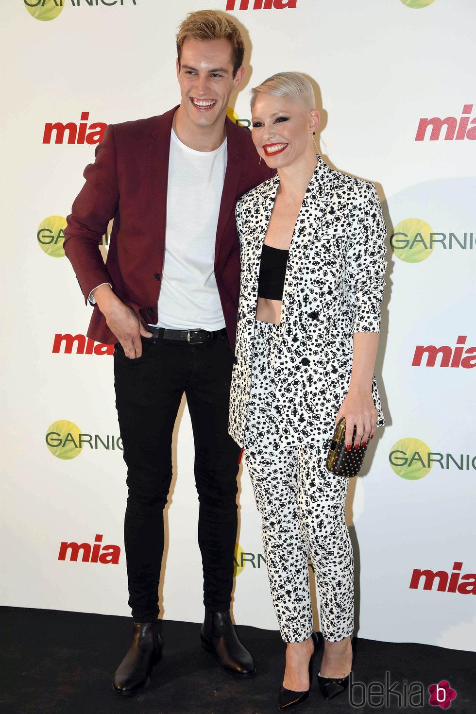 Miguel Herrera y Soraya Arnelas en los Premios Mia 2015