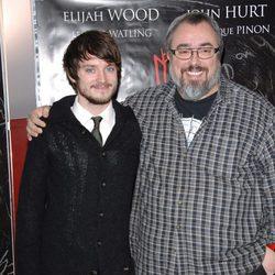 Elijah Wood y Álex de la Iglesia en el estreno de 'Los crímenes de Oxford'