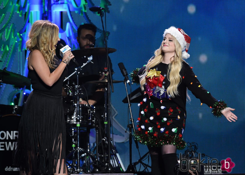 Alex Gervasi y Meghan Trainor en el Jingle Ball Tour 2015 en Los Angeles