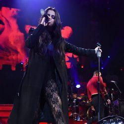 Selena Gomez durante su actuación en el Jingle Ball Tour 2015 en Los Angeles