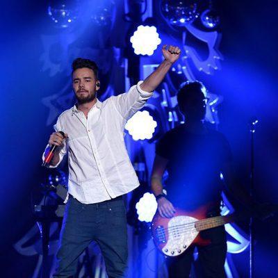 Liam Payne actuando en el Jingle Ball Tour 2015 en Los Angeles