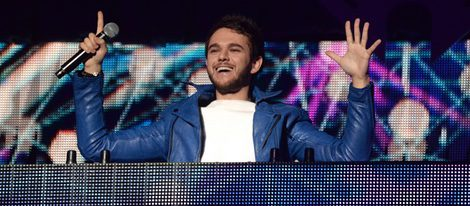 Zedd pinchando en el Jingle Ball Tour 2015 en Los Angeles
