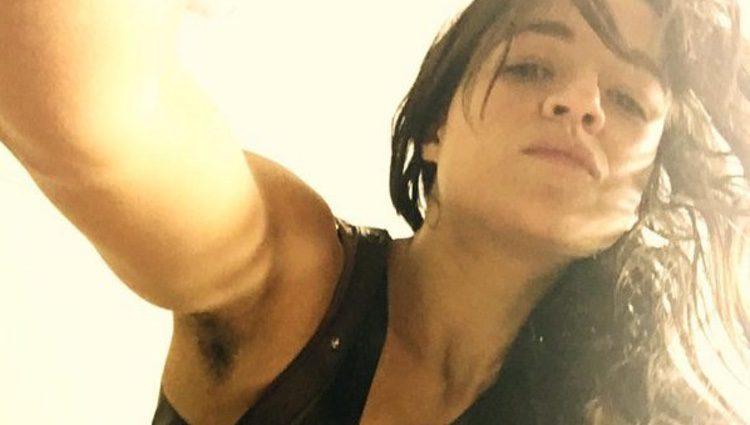 Michelle Rodríguez muestra su axila sin depilar