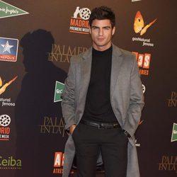 Maxi Iglesias en el estreno de 'Palmeras en la Nieve'