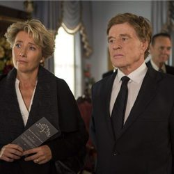 Emma Thompson y Robert Redford en 'Un paseo por el bosque'
