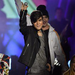 Abraham Mateo durante su actuación en los Premios 40 Principales 2015
