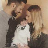 Ezequiel Garay y Tamara Gorro celebran los dos meses de vida de su hija Shaila