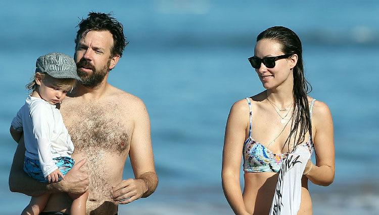Olivia Wilde y Jason Sudeikis, unos orgullosos papás disfrutando de una jornada de playa con Otis