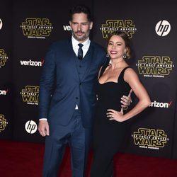 Sofía Vergara y Joe Manganiello en la premiere de 'Star Wars: El Despertar de la Fuerza' en Los Ángeles