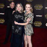 Carrie Fisher y su hija Billie Lourd en la premiere de 'Star Wars: El Despertar de la Fuerza' en Los Ángeles
