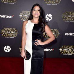 Gina Rodriguez en la premiere de 'Star Wars: El Despertar de la Fuerza' en Los Ángeles