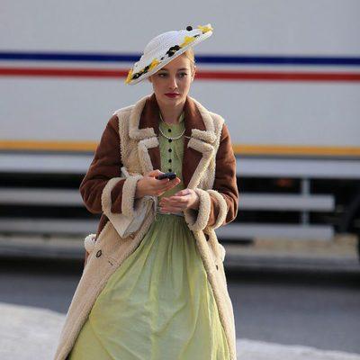 Charlotte Vega en el rodaje de la tercera temporada de 'Velvet'