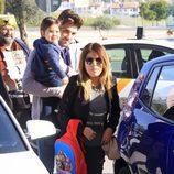 Chabelita Pantoja y Alejandro Albalá con Alberto Isla en brazos acuden a conocer a la hija de Kiko Rivera e Irene Rosales