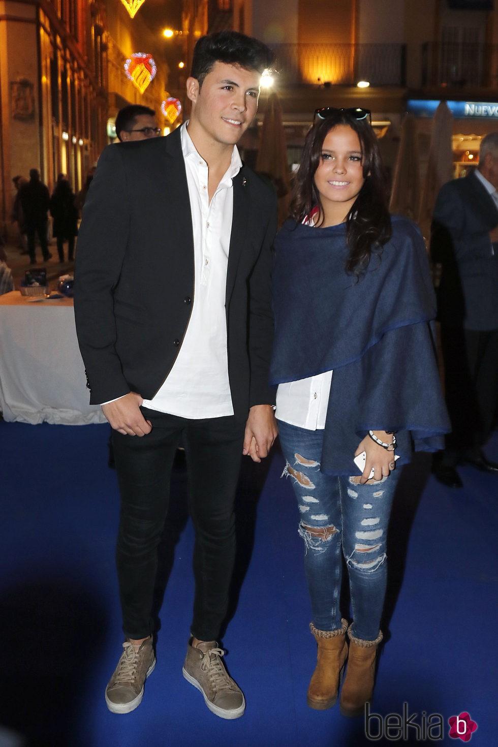 Gloria Camila y su novio Kiko Jiménez en la inauguración de la tienda de Gloria Camila en Sevilla.