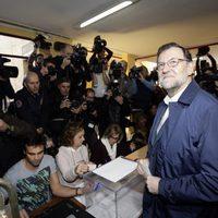 Mariano Rajoy vota en las elecciones generales del 20 de diciembre
