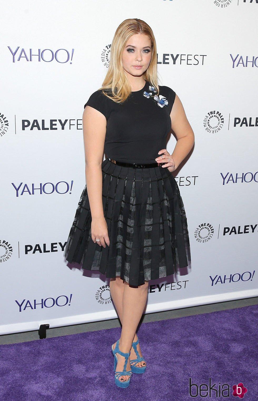 Sasha Pieterse en el PaleyFest de Nueva York