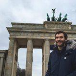 Ricardo Gómez en la Puerta de Brandeburgo de Berlín