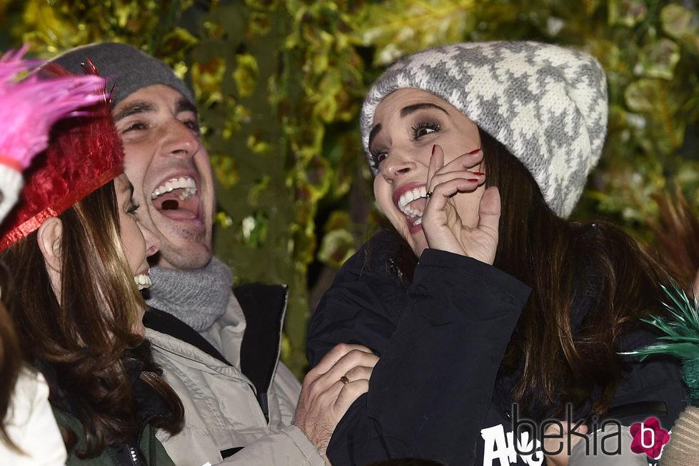 David Bustamante y Paula Echevarría en la Cabalgata de Reyes de Madrid 2016