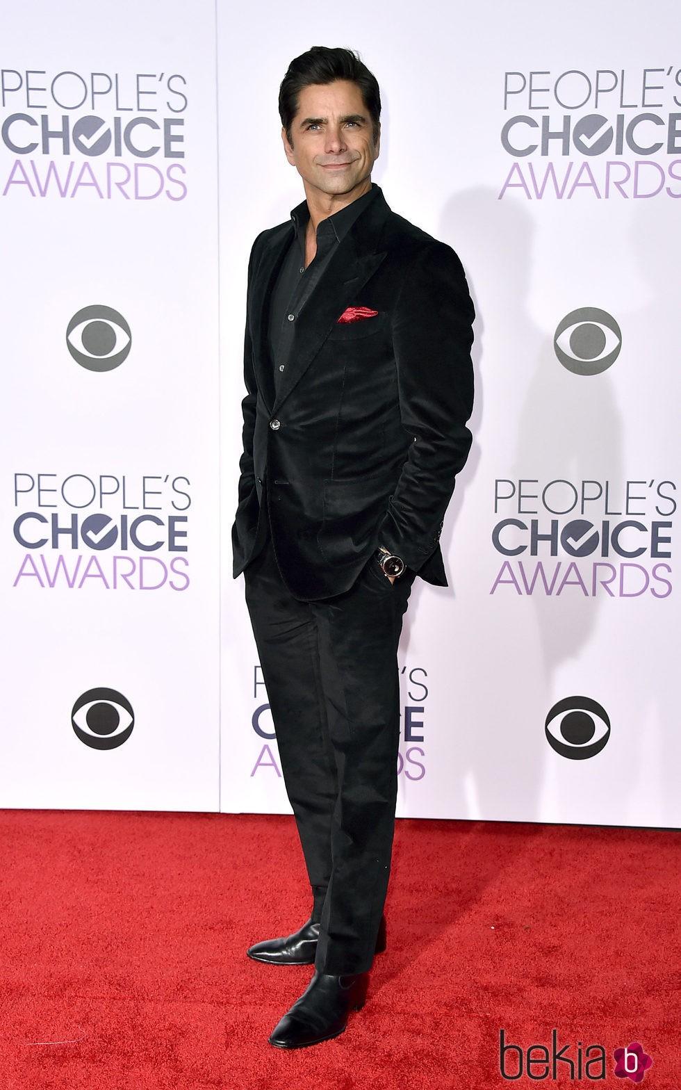 John Stamos en los People's Choice Awards 2016