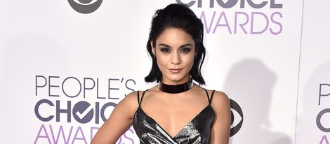 Vanessa Hudgens en los People's Choice Awards 2016