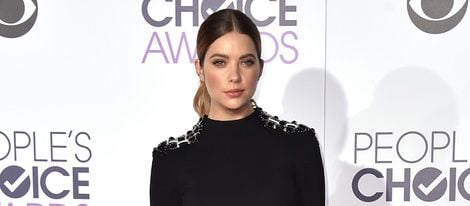 Ashley Benson en los People's Choice Awards 2016