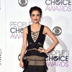 Lucy Hale en los People's Choice Awards 2016