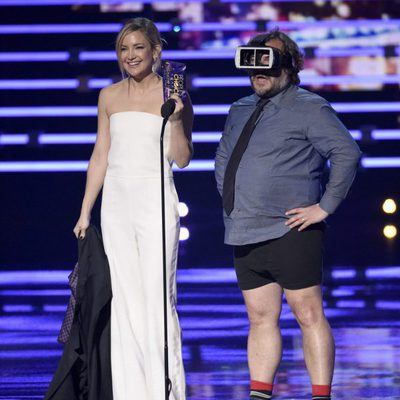 Kate Hudson junto a Jack Black en los People's Choice Awards 2016