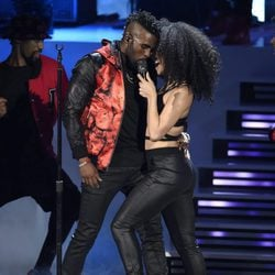 Jason Derulo en su actuación en los People's Choice Awards 2016