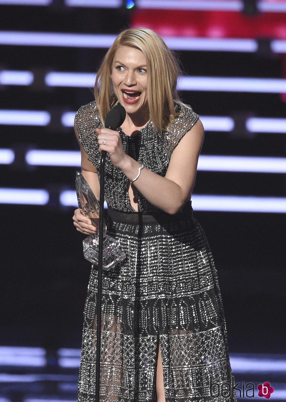 Claire Danes en los People's Choice Awards 2016