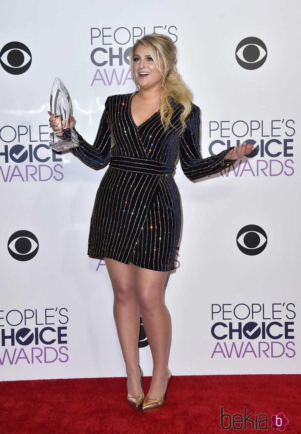 Meghan Trainor en los People's Choice Awards 2016