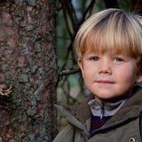 El Príncipe Vicente de Dinamarca celebrando su quinto cumpleaños con un posado otoñal