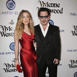 Amber Heard y Johnny Depp en la Gala Heaven 2016