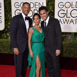Will Smith, Jada Pinkett Smith y Trey Smith en la alfombra roja de los Globos de Oro 2016