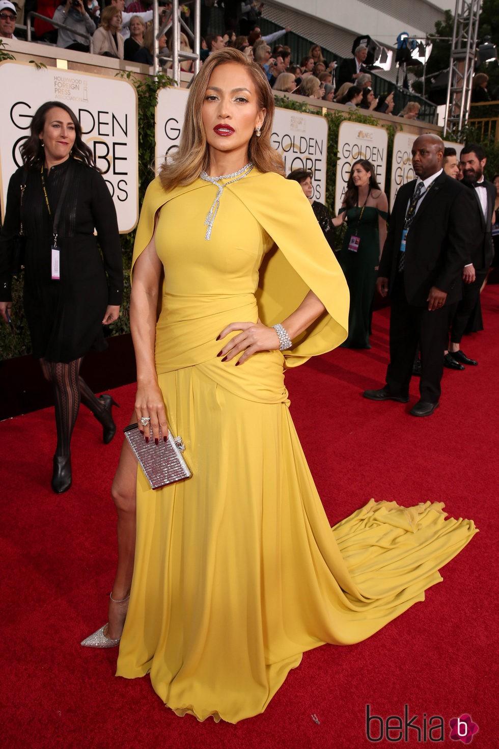 Jennifer Lopez en la alfombra roja de los Globos de Oro 2016