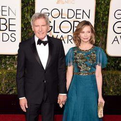 Harrison Ford y Calista Flockhart en la alfombra roja de los Globos de Oro 2016