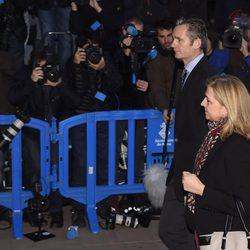 La Infanta Cristina e Iñaki Urdangarín entran al juicio por el Caso Nóos con gesto serio