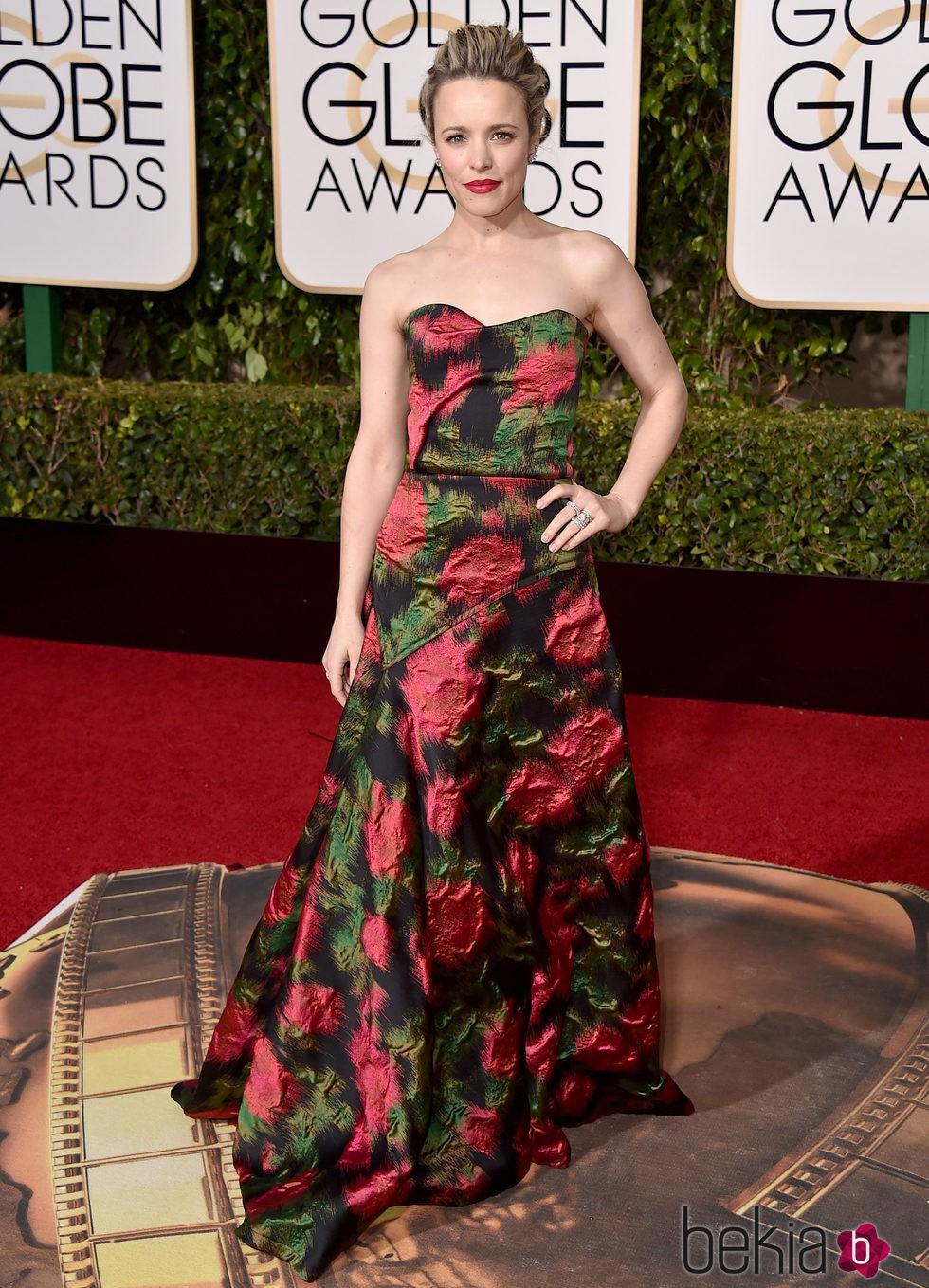 Rachel McAdams en la alfombra roja de los Globos de Oro 2016