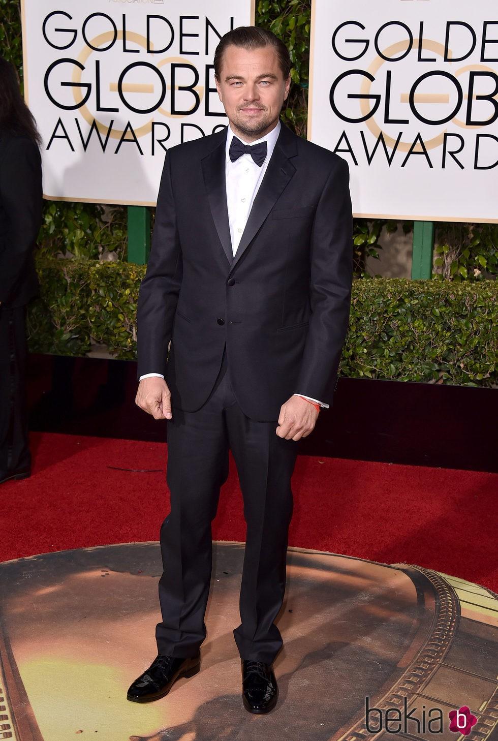 Leonardo DiCaprio en la alfombra roja de los Globos de Oro 2016