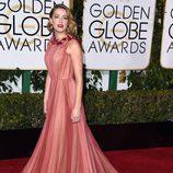 Amber Heard en la alfombra roja de los Globos de Oro 2016