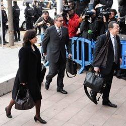 Diego Torres, Ana María Tejeiro y Manuel González Peeters en el inicio del juicio por el Caso Nóos