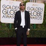 Wiz Khalifa en la alfombra roja de los Globos de Oro 2016