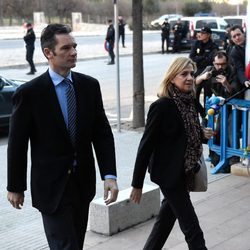 Iñaki Urdangarín y la Infanta Cristina en la primera sesión del juicio por el Caso Nóos en Palma de Mallorca