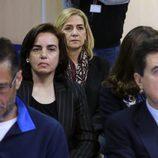 La Infanta Cristina y Ana María Tejeiro en el interior del juicio por el Caso Nóos